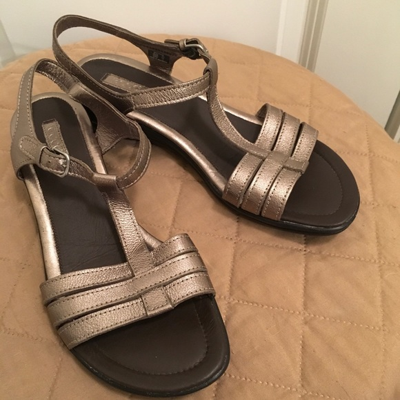 19ffa59ec406 Ecco Shoes - Ecco 9 9.5 Pewter Metallic Strappy Wedge Sandals